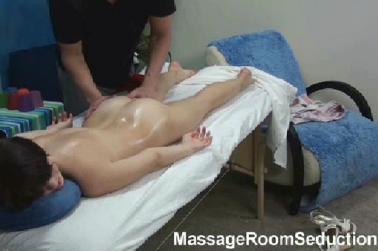 MassageRoomSeduction