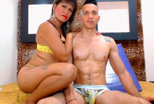 Good paid adult site to watch live shows with shemale couples